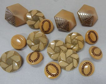 Mixed Lot of 16 TAN All Glass Vintage Craft Buttons