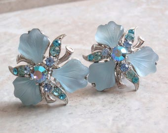 Frosted Glass Earrings Molded Blue Floral Orchid Iris Clip On Vintage V0892