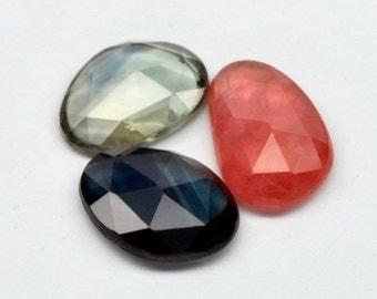 SAPPHIRE  (32635)  ---> PARCEL (3 stones) Intense!  Smaller Rose Cut Cabs Sapphires (Flat Bottom)