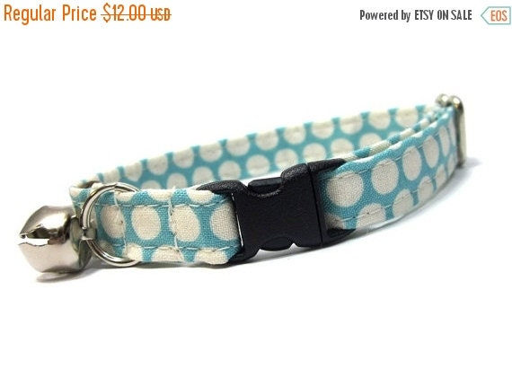 ON SALE Blue Dots Cat Collar