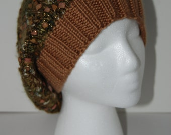 Slouchy hat in green and brown texture