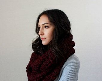 End of season SALE Chunky Knit Infinity Scarf // The Bastille - CLARET