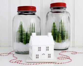 Putz House Ornament DIY Kit New England Salt Box Glitter House Christmas Decoration DIY Putz House Paper Craft Kit Winter Décor