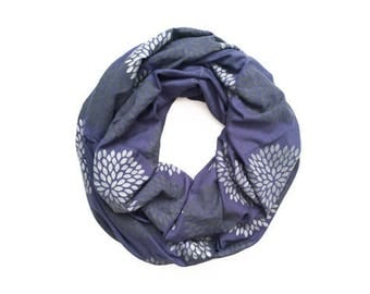 INFINITY SCARF - Screen Printed - Gray Flowers on Iris
