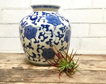 Blue & White Planter | Porcelain Vase | Global Style | Audubon motif | Classic Style