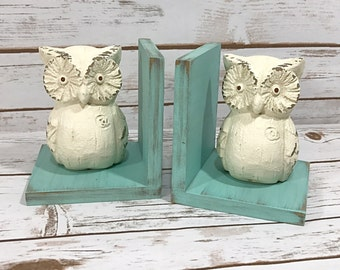 Owls Figurines Set of Bookends//Available in a Variety of Colors//Owl Book Ends//Farmhouse Decor//Birthday Gift//Shabby Chic//French Country
