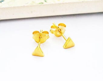 1 Pair of 925 Sterling Silver 24K Gold Vermeil Style Tiny Triangle Stud Earrings 4mm.  Polish Finished. : vm0971