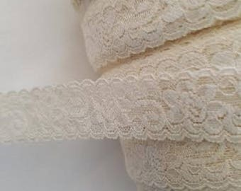 Ivory Stretch Lace Floral Scalloped trim 1 1/8 S 1-8