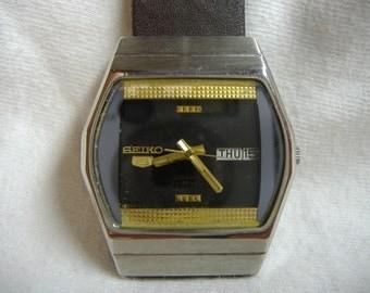 Vintage 1970s Men's Seiko 5 Day Date 23-Jewel Automatic Calendar Watch