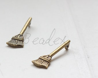 10 Pieces / Harry Potter Broomstick / Pendant / Antique Brass / Charms / 28x10mm (Y35529//C702)