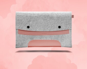 Macbook Air 11 inches. Pink Leather & Light Grey Wool Felt.