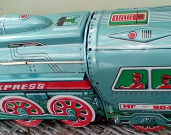 Vintage Friction Tin Toy Train.  International Express Tin Litho Train.  515 Made in China.  Y-070
