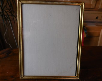 Vintage Gold Tone Metal Picture Frame 8x10 1940s to 1950s Retro Picture/Photo Frame Self Standing or Hang Vertical or Horizontal