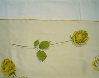 Vintage Silk Scarf with a Bouquet of Yellow Roses Beautiful 1940s Large Square Scarf