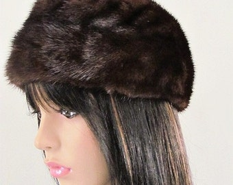 "Vintage Stylish 1970's Dark Brown ""Skull Cap "" Genuine MINK FUR HAT  Excellent Condition"