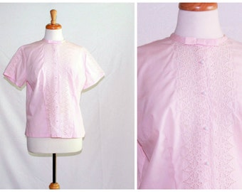 Pastel pink cut out eyelet lace blouse / 1960s Rhoda Lee dainty retro ladies fashion / pretty button front with bow novelty top