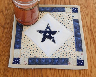 Quilted Candle Mat, Mug Rug, Coaster, Patriotic Quilt, Folk Art Decor, Americana Table Topper, Kitchen Decor, Snack Mat, Patriotic Decor