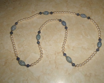 vintage necklace faux pearls blue speckled glass