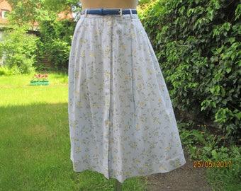 Buttoned Skirt / Skirt Vintage / Full Skirt / Blue Skirt / Size EUR48 / UK20 / Floral Pattern / Elastic Waist in Back