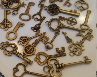 30 decorative brass keys
