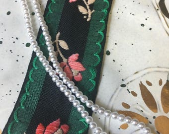 VINTAGE EMBROIDERED RIBBON - Trim
