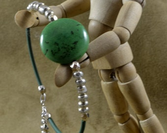 Green Focal Beaded Bracelet