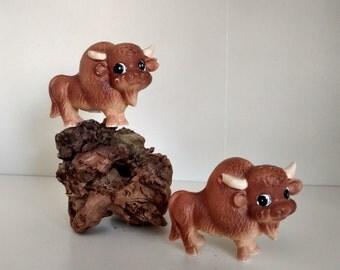 Vintage japan ceramic kitsch buffalo salt and pepper shaker
