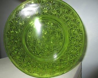 Button and Daisy,Green plate LE Smith plate,dish,charming,tabletop,props,staged,Victorian,Period Style,collectible glass ware,antique glass