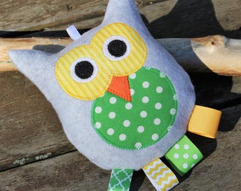 Owl Rattle~ Green/Yellow