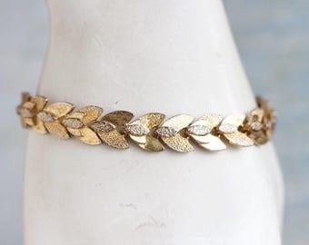 Golden Leaves Bracelet - Laurel Wreath Links Bracelet - 80s Vintage Oxidized Jewelry