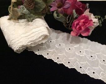 Vintage Embroidered Cotton Lace , Vintage Eyelet Lace Trim, Vintage Wedding Lace, Vintage Petticoat Lace, Vintage Doll Clothes Lace