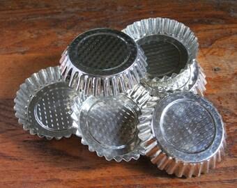 Mini tart tins, vintage tart tins