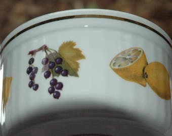 "Vintage Round Royal Worcester Fine Oven to Table China ""Evesham"" Souffle Lemons & Grapes - FREE SHIPPING"