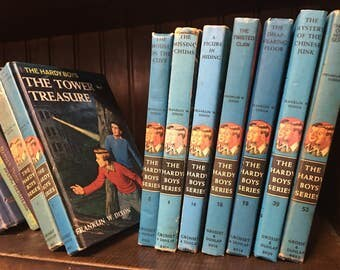 The Hardy Boys Mystery Book 2, 4, 16, 18, 19, 39 & 53 of Series 1959 Franklin W Dixon