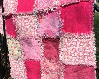 Pretty in Pink Raggy Quilt