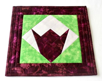 Fabric Trivet, Quilted Hot Pad, Insulated Hot Mat, Tulip Candle Mat, Burgundy Green, Quiltsy Handmade