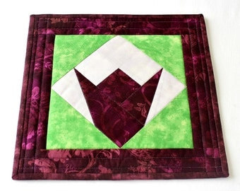 Fabric Trivet, Quilted Hot Pad, Insulated Trivet, Tulip Candle Mat, Burgundy Green, Quiltsy Handmade