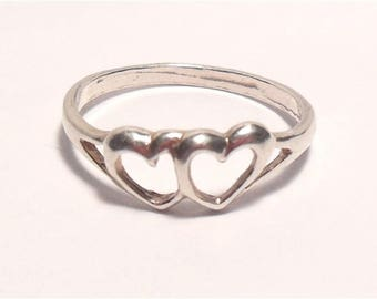 Vintage Sterling Silver Double Heart Artist Signed Simple Band Ring Size 6