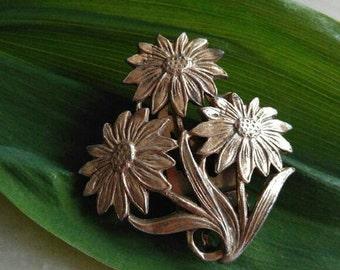 Vintage daisy dress clip fur clip