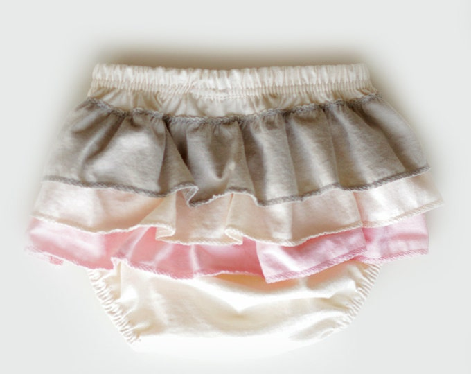 Ruffled Diaper Cover in Pink and Grey // Organic Diaper Cover // Pink and Grey Ruffled Diaper Cover // Organic Bloomers // Baby Bloomers
