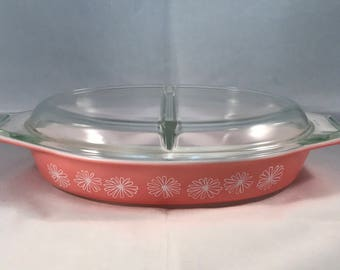 Pyrex Pink Daisy 1-1/2 qt Divided Vegetable Bowl with Lid