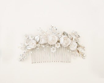 Flower bouquet hair comb, floral headpiece with clay rose flowers, white hair jewelry, bride accessory, garden wedding - style 253