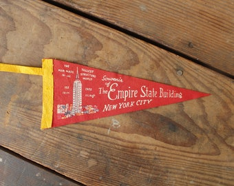 Vintage Souvenir Pennant Empire State Building USA New York City Attraction Red Felt Flag Wall Hanging 1940s