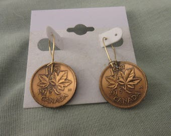 Vintage 1975 Upcycled Canadian Penny Copper Pierced Earrings