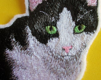 Large Embroidered Black and White Cat Applique Patch, Kitty, Kitty Cat, Iron On, Sew On, Patch, Quilts, Home  Decor, Crafts, Life Like Cat