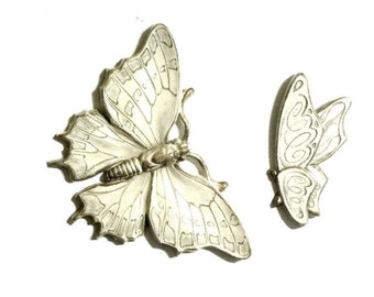 Universal Statuary Butterflies Cream and Gold Wall Plaques 1973 Decorative Collectibles