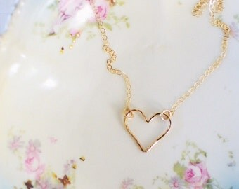 Open Heart Necklace // Gold Filled // Hammered Heart // Dainty Necklace // Everyday Jewelry // Heart Jewelry // Valentine's Day