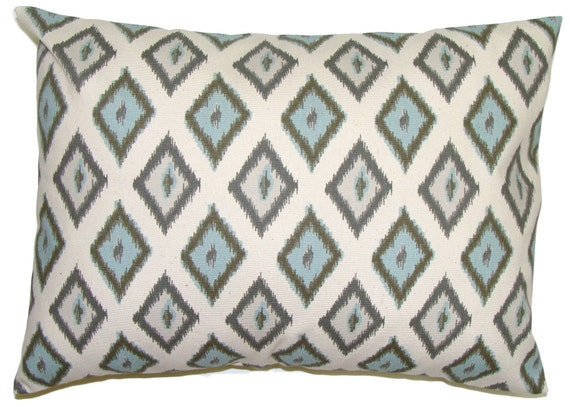 PILLOW.BLUE PILLOW.16x20, 16x24 or 12x20 inch Lumbar Pillow Cover.Decorative Pillows.Blue Ikat.Gray Ikat.Blue Pillow.Gray Pillow.Throw.cm