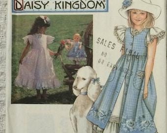 Daisy Kingdom Pattern / Childs Dress Pattern  / Doll Dress Pattern  / Girls Dress Pattern / Child and Doll Dress Pattern / Simplicity 7010