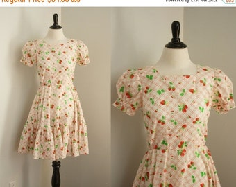 SALE 40% OFF vintage strawberry dress | 1970s square dance dress